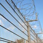 Dos funcionarios de Herrera de la Mancha agredidos por un interno