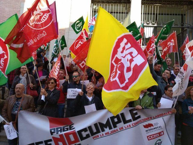 """""""¿Y la Junta pa cuándo?"""" Concentraciones de empleados públicos en las cinco provincias de Castilla- la Mancha para exigir al gobierno la mejora de sus condiciones laborales"""
